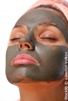 Rhassoul, argile verte ou argile blanche : Quel masque est adapté à votre type de peau et comment le faire ?