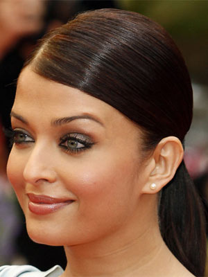 Coiffure queue de cheval d'Aishwarya Rai