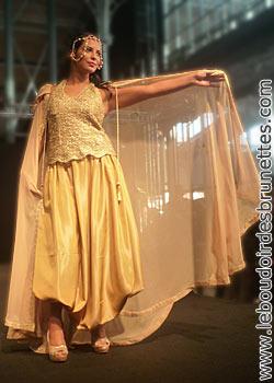 Défilé du Grand Salon du Mariage Oriental Paris 2011 : caftans, robes algéroises, karakous, robes d'inspiration indienne et robes de soirée