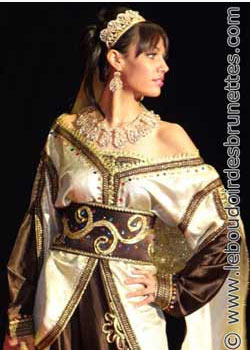 Défilé du Salon du Mariage Oriental de Strasbourg 2011 : caftans, takchitas, saris, karakous et robes de soirée