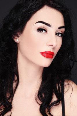 7 astuces pour faire tenir son rouge à lèvres plus longtemps et ne pas tacher ses dents