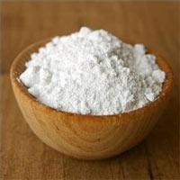 Masque contre l'acné au bicarbonate de soude et à la vitamine C