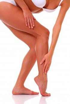 Avoir des jambes jambes bronzées et satinées