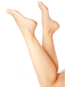 Soin des pieds secs, transpiration des pieds (citron, bicarbonate de soude, vinaigre, pierre d'alun, etc.)